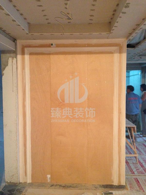 玄关造型,木工板打底,表面镜面