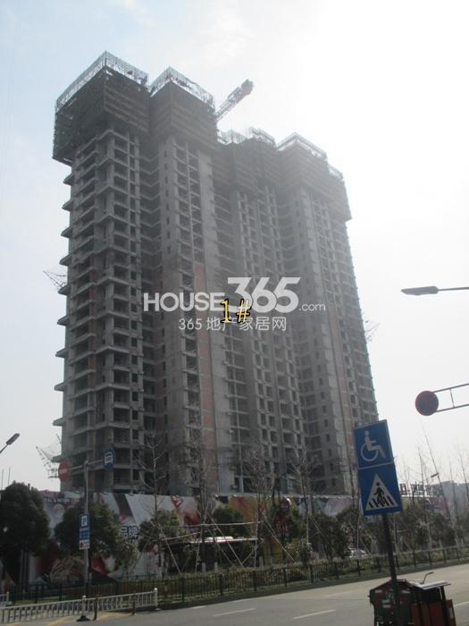 理想银泰城项目1号楼施工进程图(2015.3)