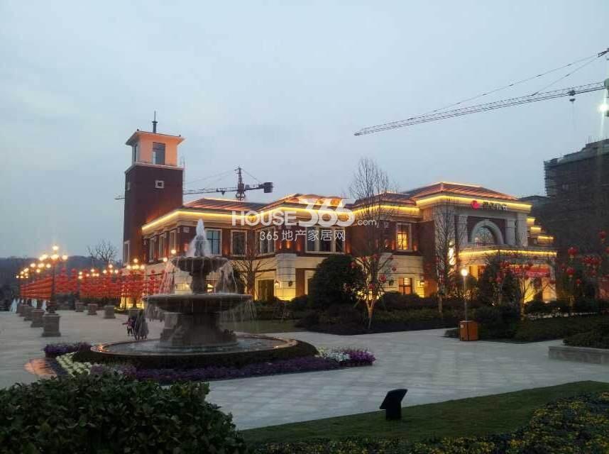 银亿东城售楼处夜景图(6.8)