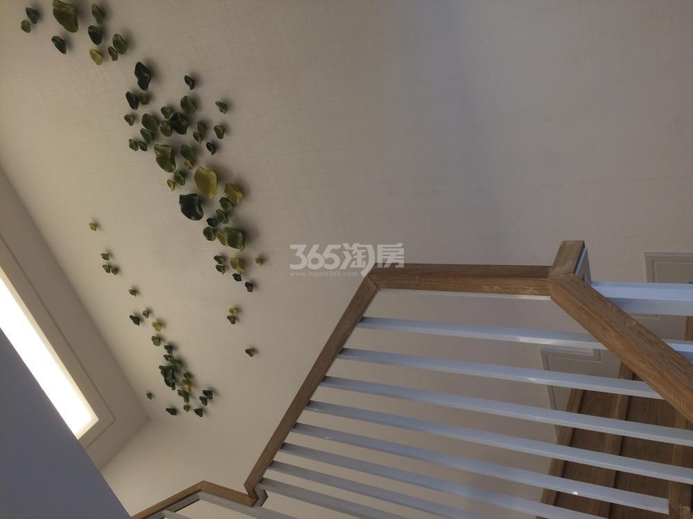 中航樾广场98-100㎡样板间-楼梯