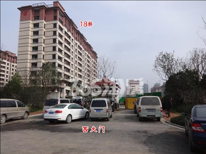 高科荣境小高层18号楼实景图(12.8)