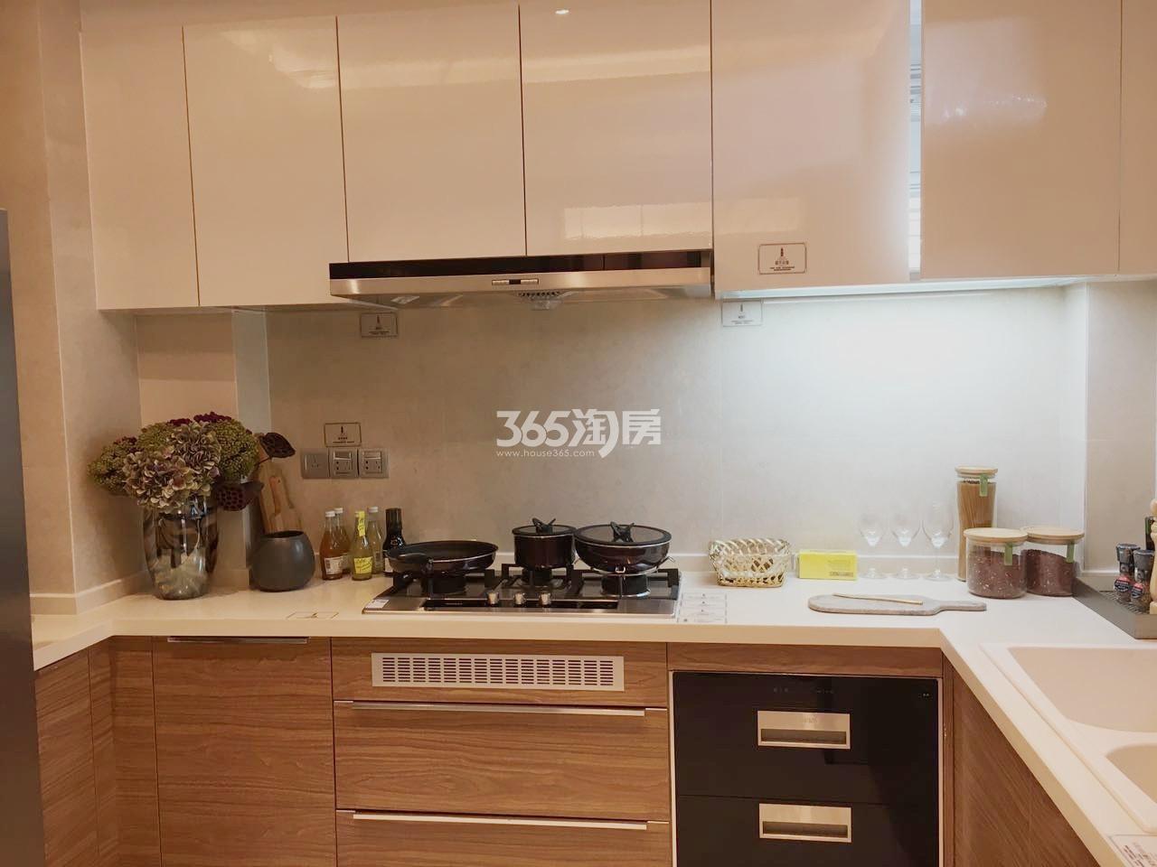 雅居乐滨江国际176㎡样板间厨房