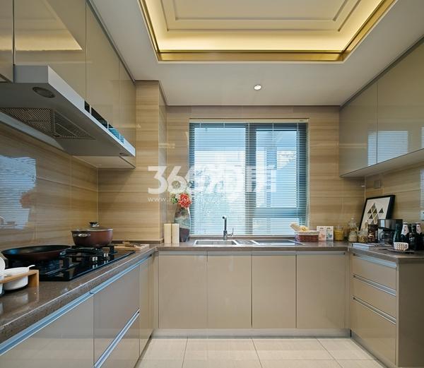 绿地西水东中央生活区W公馆144平样板间--厨房