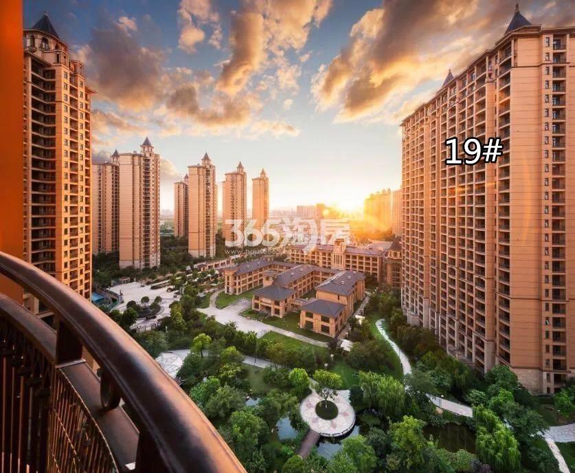 雅居乐滨江国际高层视角实景图(10.15)