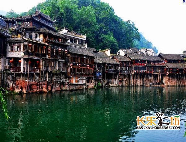 凤凰古镇历史悠久,文化底蕴深厚